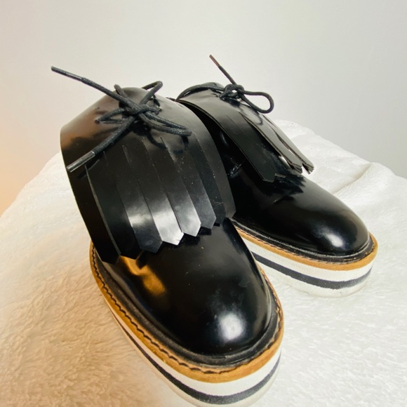 ZARA | black tasseled platform oxford loafers
